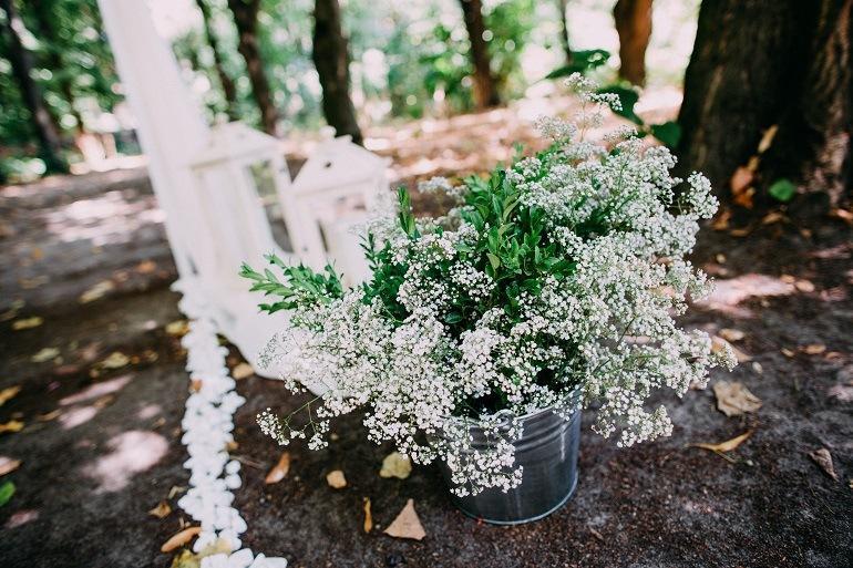 Свадьба в стиле рустик цветы гипсофилы