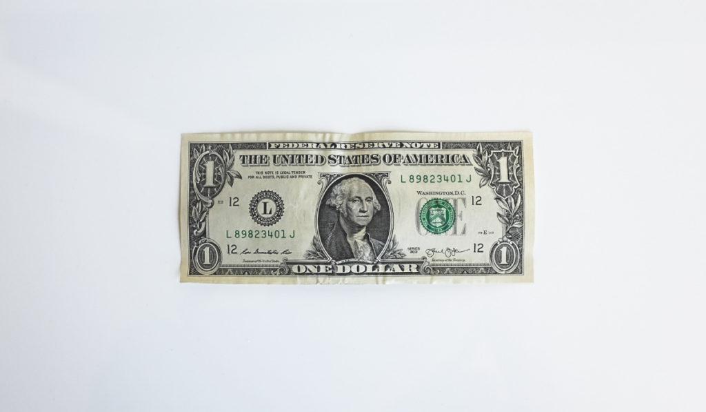 Самое сложное в накопление — это поддерживать постоянство и сопротивляться желанию потратить эти деньги, вместо того, чтобы отложить.