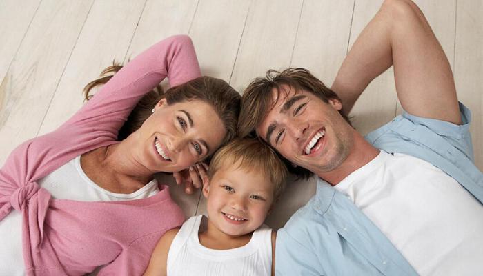 семья воспитывает ребенка мама с пампой, сын, мальчик малыш
